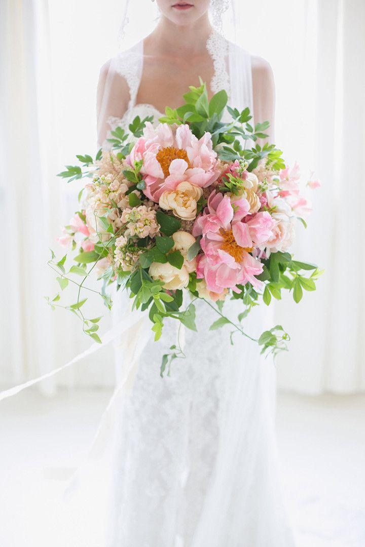 Oversize Statement Bouquets Wedding Flower