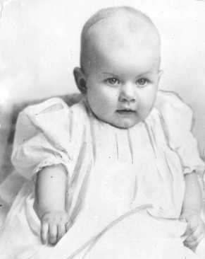 Jean Harlow, 8 months old.  Born Harlean Harlow Carpenter on March 3, 1911, in Kansas City, MO.