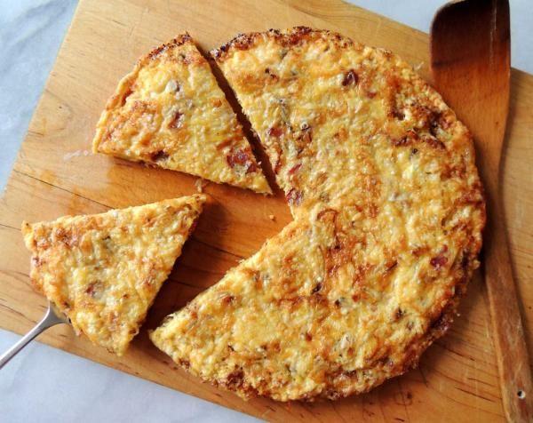 Παστουρμαδόπιτα χωρίς φύλλο. Μια πανεύκολη συνταγή για μια πολύ νόστιμη και πολύ απλή στη παρασκευή της πίτα χωρίς φύλλο με την ιδιαίτερη γεύση του παστουρ