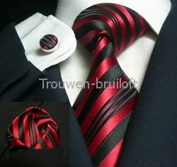 Ben je op zoek naar rode accessoires voor de bruidegom?