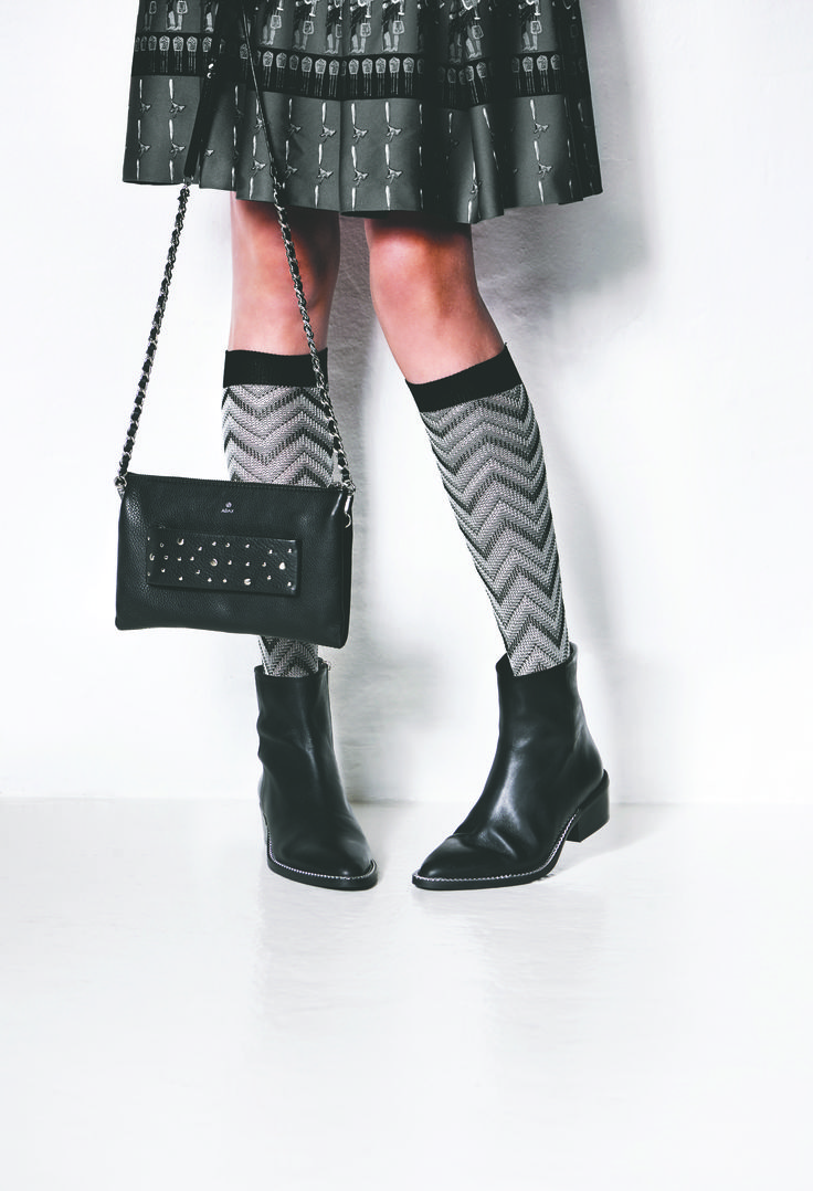 Annalie boots with beautiful chain details! Click on pic for more <3