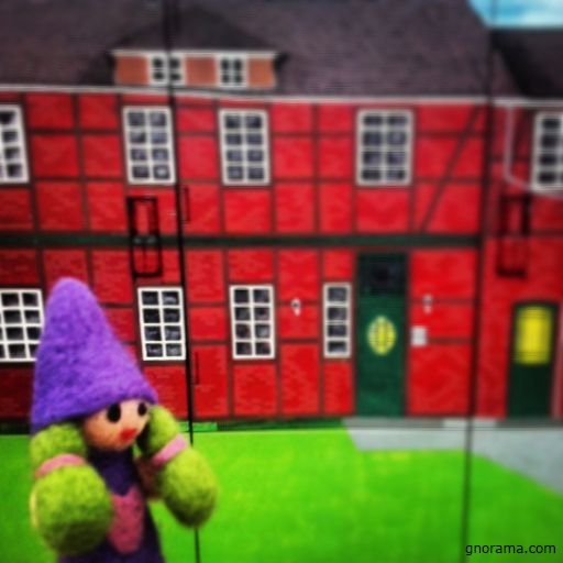 The Gnome girl on a trip to Nienhagen, Lower Saxony, is surprised to see these very original gas meters painted as a small town! #gnorama #gnomella #nienhagen #germany #gnoramaaroundtheworld #handicraft