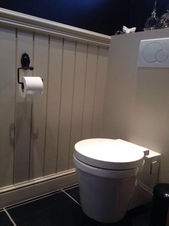25 beste idee n over badkamer lambrisering op pinterest lambrisering badkamer kraal boord - Doucheruimte deco ...