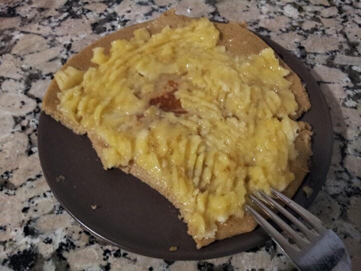 Tortita de avena con plátano, ideal para desayunar los deportistas. Sano, sano!!?