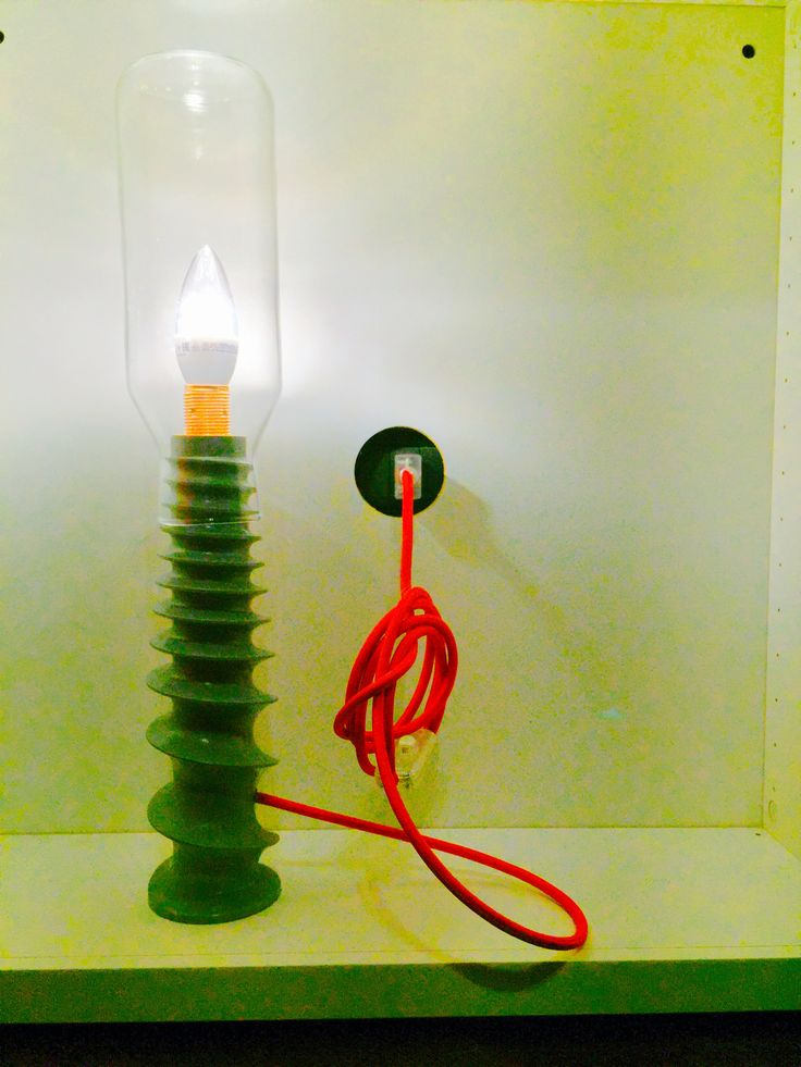 """Pomì"", Upcycled lamp made with Ikea bottle + propeller tomato press"
