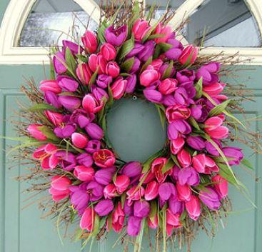 Η Πρωτομαγιά των λουλουδιών και το πρωτομαγιάτικο στεφάνι - May Day flowers and wreath | Smile Greek