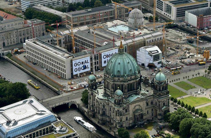 Berlin von oben - aus einem Zeppelin