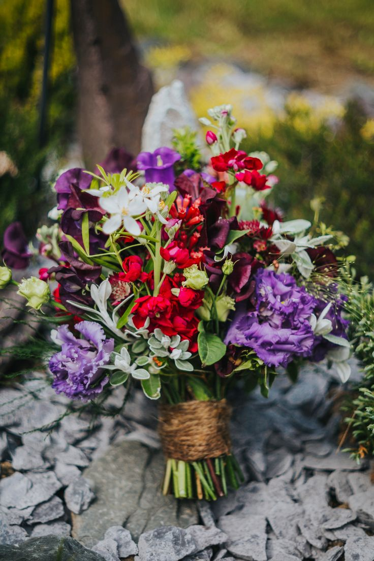 A stunning bridal bouquet from by @green_parlour. Photo by Benjamin Stuart Photography #weddingphotography #greenparlour #bridalbouquet #weddingflowers