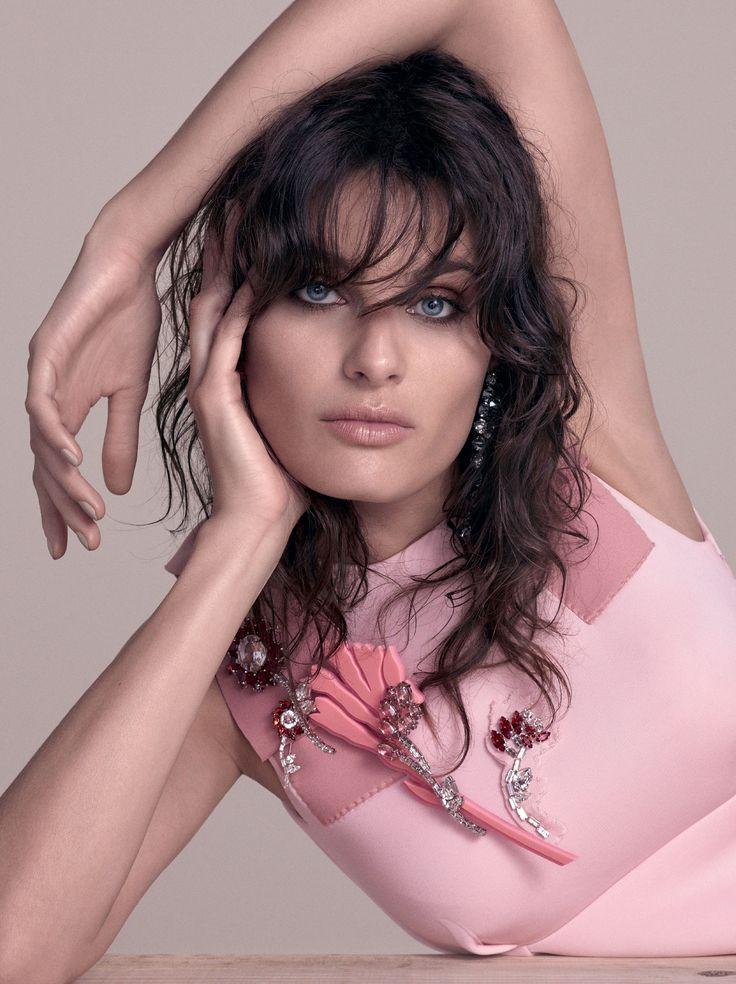 Rose Quartz cor de 2016. Isabeli Fontana na edição de setembro da Vogue (Foto: Reprodução/Vogue Brasil):
