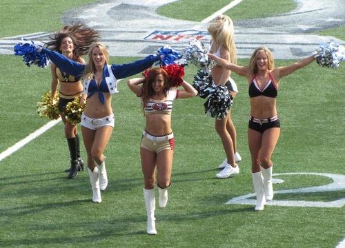 Professional Cheerleaders #nfl #probowl #hawaii #ohanaday - kaytee100's posterous