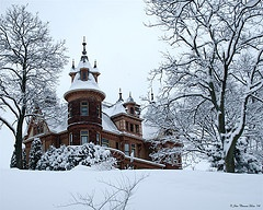 in Kalamazoo - Henderson Castle, Effets de Neige (credit to John Clement Howe)