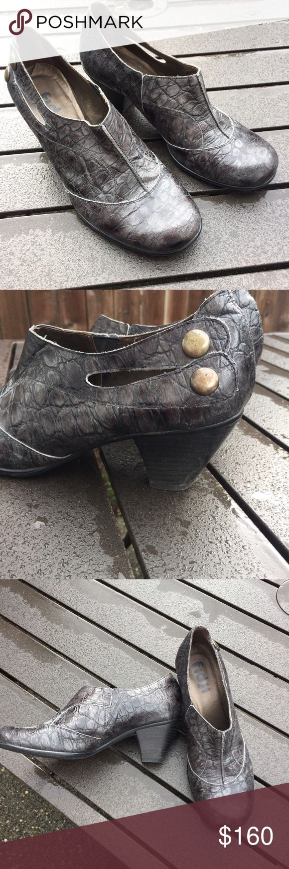 Worn once Fidji booties These were worn one time and and in excellent condition! Super cute on and perfect for fall. Size 39 runs 8/8.5/9 for US sizes technically. They fit pretty accurate at a 9 to me. fidji Shoes Ankle Boots & Booties