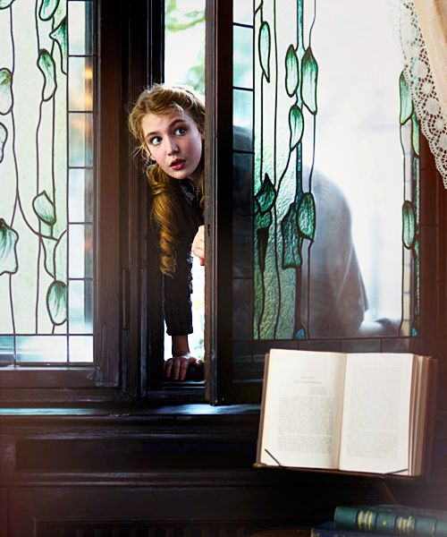 What is the relationship between Ilsa Hermann and Liesel Meminger in The Book Thief?
