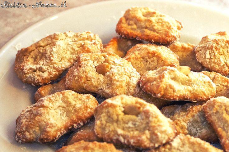 Миндальные бискотти – один из самых популярных на Сицилии типов печенья.
