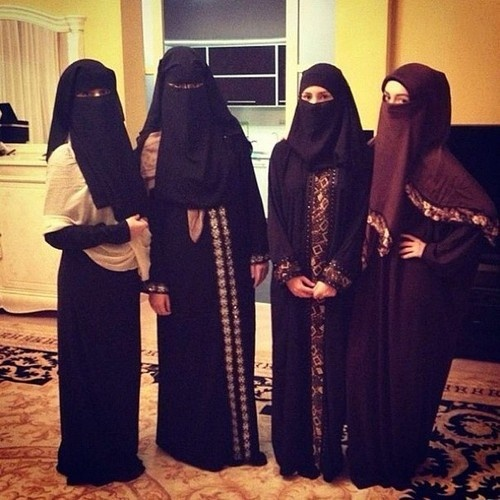 #Niqab Crew !