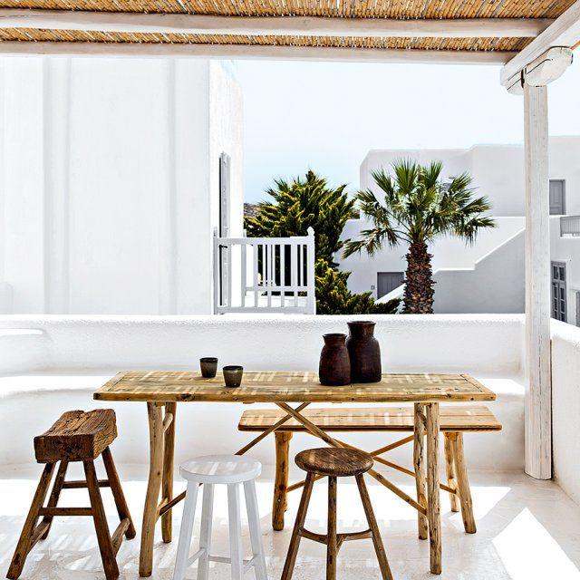 Une terrasse blanche d'une sobriété élégante