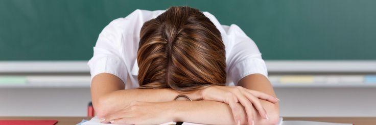 Veel startende leraren bezwijken onder de druk van ouders. Dat stelt onderwijskundige Lisa Gaikhorst, die vandaag op dit onderwerp promoveert aan de Universiteit van Amsterdam.  Hoe mondig mag je zijn, als ouder? In ieder geval niet zo erg, dat anderen eronder bezwijken. Maar zegt dat nou iets over ouders, of onder de zwakte van docenten. Ik vraag maar gewoon, hoor...