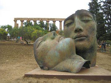 A Wine Lover's Diary, part 344: Viva Sicilia    Tony Aspler, the Wine Guy    TonyAspler.com