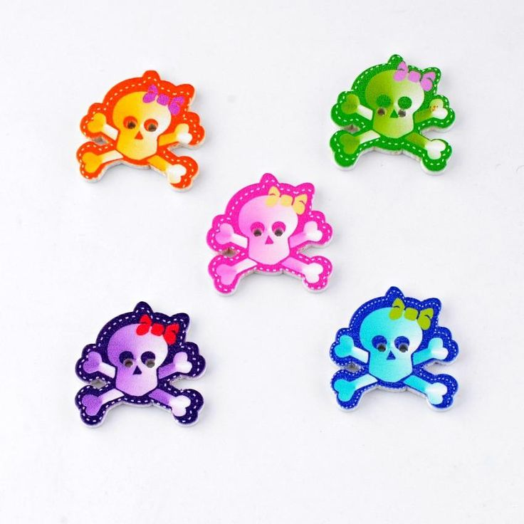 Lovely Skull Crossbone 2 Holes Painted Buttons, sew fun, sewing, gifts for her, gifts for mom, handmade,