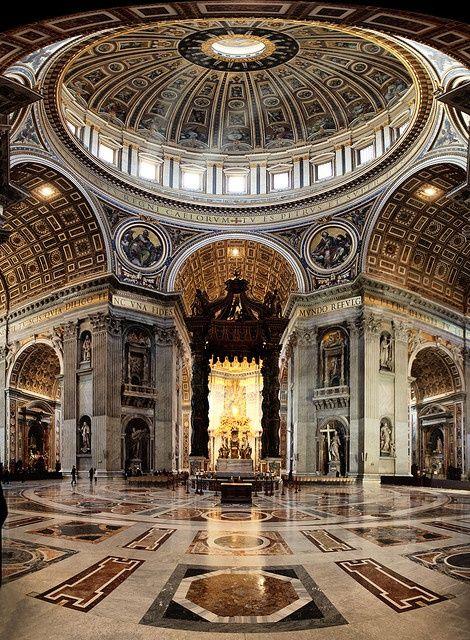 Cidade do Vaticano, Basílica de São Pedro, dossel de Bernini e cúpula de Michelangelo Buonarroti, Roma, Itália