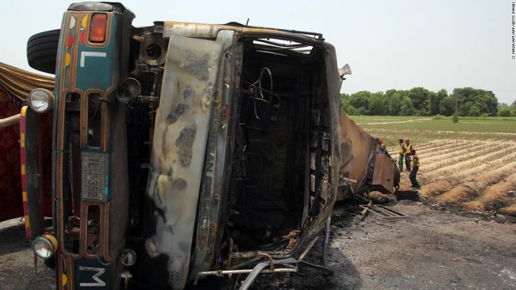 cool Pakistan oil tanker truck explosion kills scores