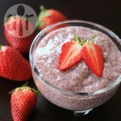 Pudim de morango com chia @ allrecipes.com.br - Pudim de morango saudável super fácil, sem cozimento.