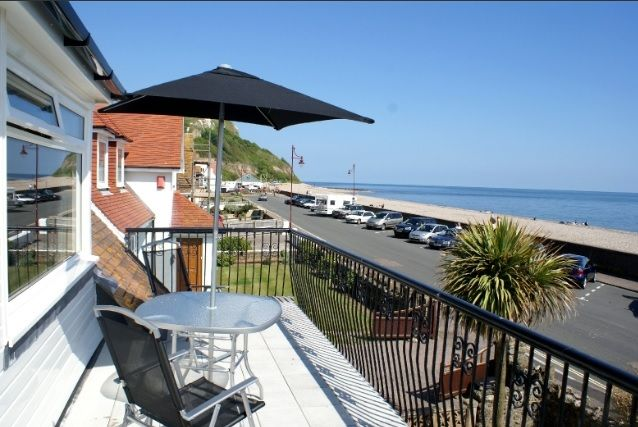 The Breakers Seaton Seafront Devon Sleeps 6 + Cot- 4 Bedrooms *PETS WELCOME*  http://www.milkberehols.com/index.php?property=BRK