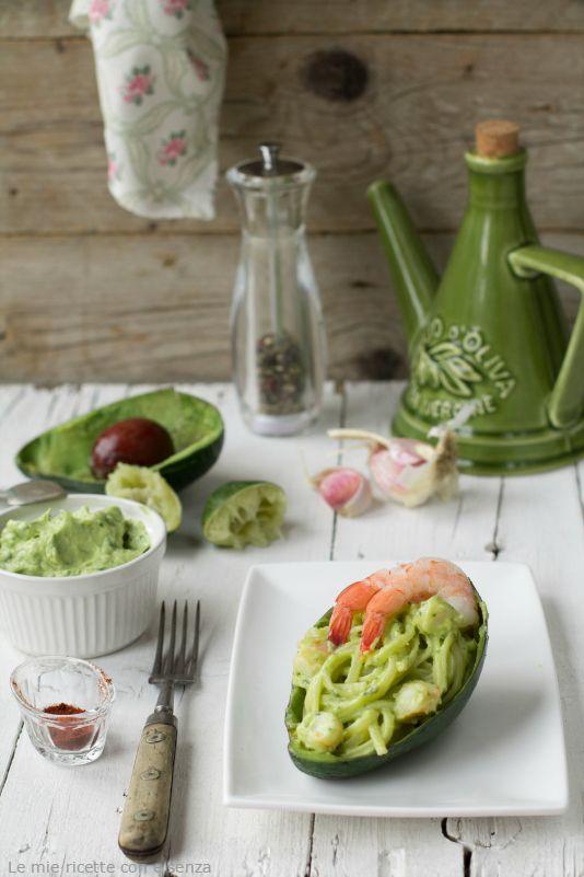 pasta con salsa di avocado