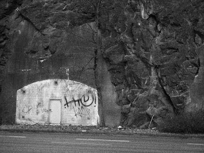 Matkojeni blogi: Stokis. Slussenilta Kornhamnstorgille black and white photography, Stockholm