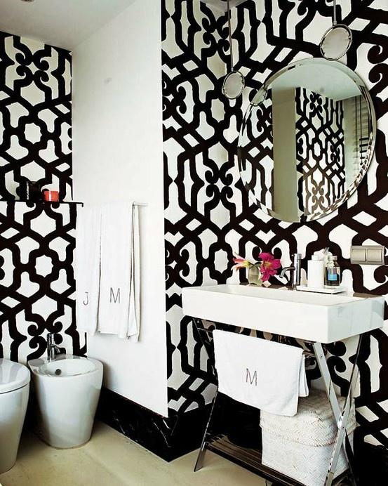 Gewaagde zwart witte badkamers | Éénig Wonen