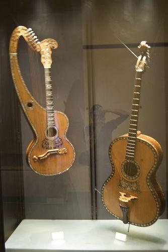 Antichi strumenti musicali a corda Castello Sforzesco Milano   #TuscanyAgriturismoGiratola