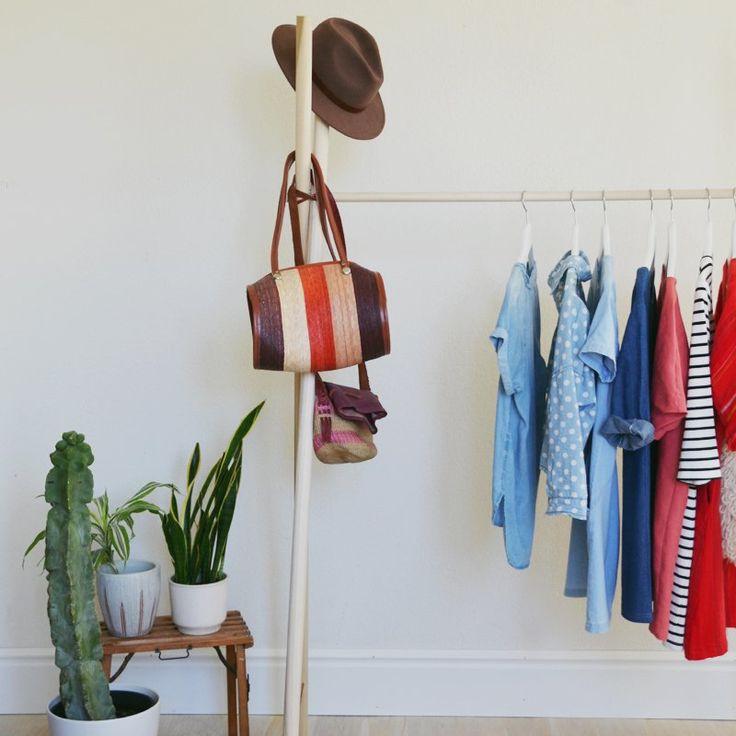 Un portant à vêtements en bois - Marie Claire Idées - DIY clothes rack