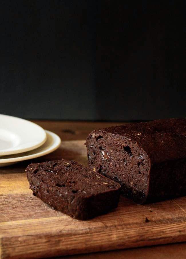 Веганский Нежданчик: Шоколадно-банановый хлеб с кусочками шоколада