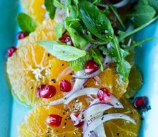 Klementin og rødløksalat med granateple
