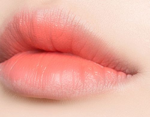 Love this natural light pink lip color