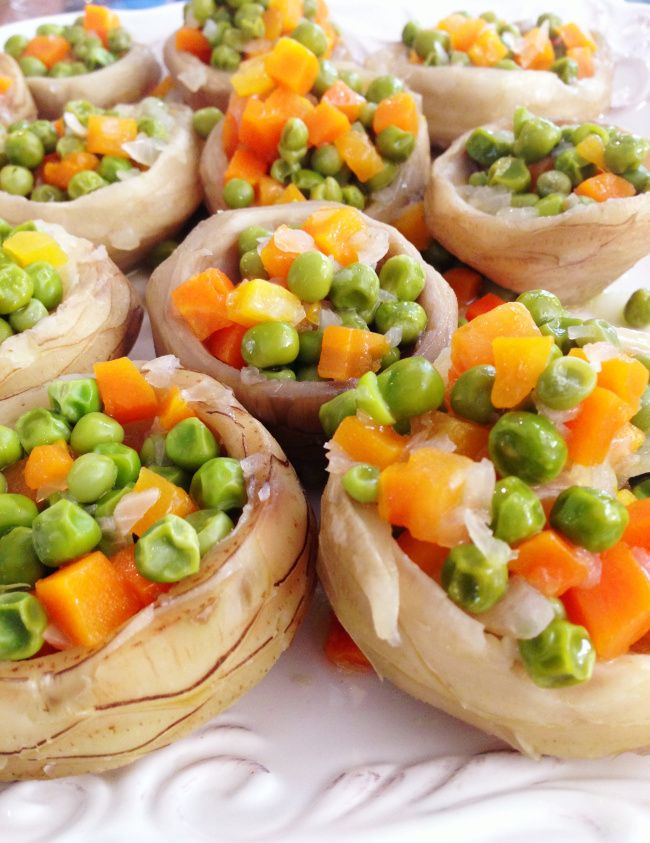 Zeytinyagli Enginar (Artichoke with Peas and Carrots)
