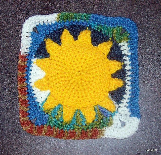 "Ravelry: starryeyed24's Summer Sun Square. A different motif based on the original pattern ""Summer Sun 7"" Square"" by Melanie Stiles at Ravelry. ¯\_(ツ)_/¯"
