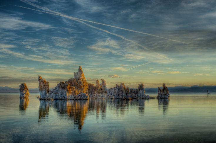 Las torres del extraño Lago Mono, en California. - lugares fanstasticos - lugares fanstasticos