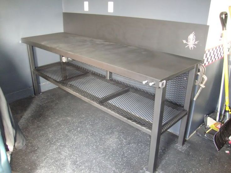 Best 25 metal work bench ideas on pinterest rolling for Plan fabrication table
