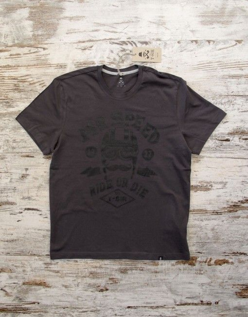 T-SIR Mr Speed dark grey tee. Ride or die.   Personage T-Sir that, in 1927, piloted an Norton Racer CS1. 100% cotton, super-soft feel. Tag with brand logo at the bottom left. #mrspeed #rideordie #hipsterstyle #mustacherider #tshirt #darktshirt #hipstertee #hipstertshirt #tshirtdesign #mens #camisetahipster