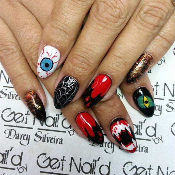 Pin for Later: 101 schaurig-schöne Halloween Nageldesigns Halloween Manikür-Ideen Quelle: Instagram user darcysilveira