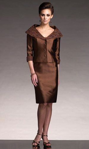 Rockin motg dresses--since this will be me thrice over, ahem.  Love this copper one
