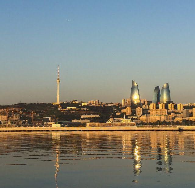 #Aserbaidschan, Salaam #Baku.  #MeinAserbaidschan #DemipressAserbaidschan #Azerbaijan #sunset #FlameTowers