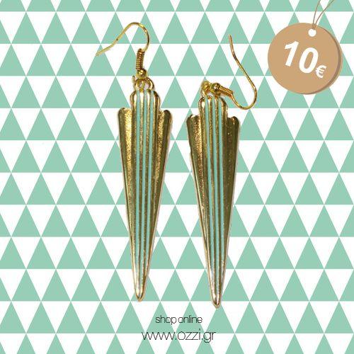 Σκουλαρίκια επίχρυσα με τυρκουάζ, σε τριγωνικό σχήμα με ρίγες μόνο 10€!  #earrings #jewellery #ozzi_jewellery