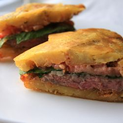 El Jibarito ~ Plantain and Steak Sandwich ~ Puerto Rico .... Hmmm... Have to try this! ~ http://thenoshery.com/2009/06/08/el-jibarito-plantain-and-steak-sandwich/