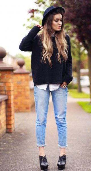 Great look for fall (minus hat): boyfriend jeans + oversized sweater over untucked button down + black oxfords