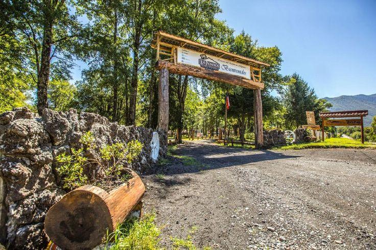 En Centro Turístico Los Pioneros usted encontrara, tranquilidad, relajación y diversión , rodeado de hermosa naturaleza con vista espectacular al Volcán Llaima. Hospedaje, Alojamiento en Melipeuco