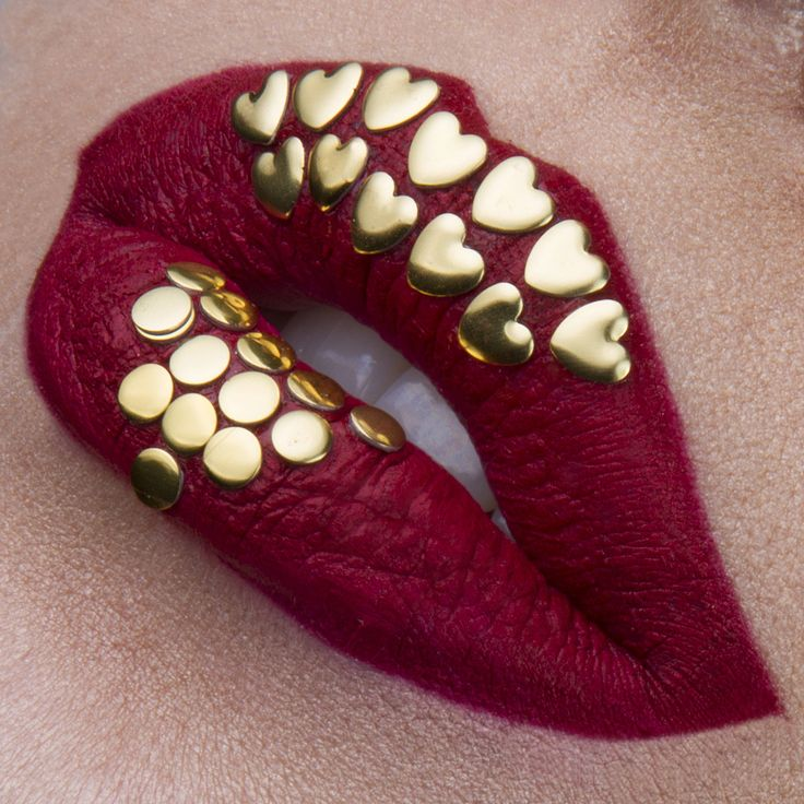 Lip art Gold Hearts Instagram: vladamua