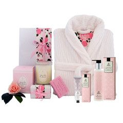 Luxurious bath robe gift hamper along with perfumed soy candle, sweetly scented bath soap and Urban Rituelle hand lotions. #mothersdaygifts #corporategifthampers
