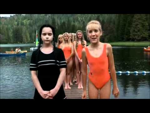Christina Ricci as Wednesday - The Addams family 2 - Family values